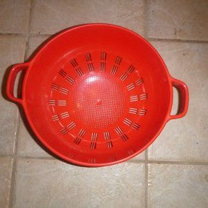 Vintage 80's Large Plastic Red Collender